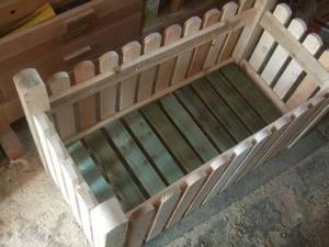 самодельные деревянные ящики для выращивания цветов на