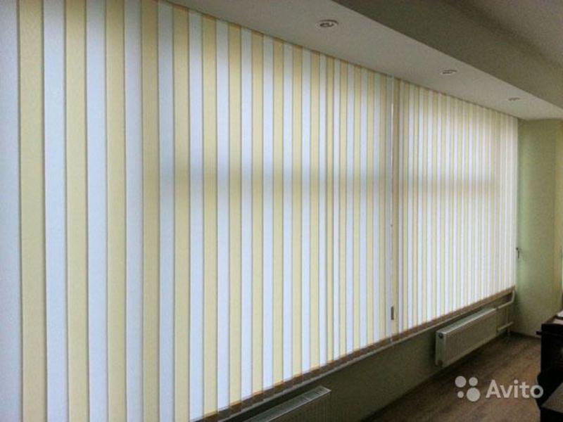 фото жалюзи вертикальные на балкон