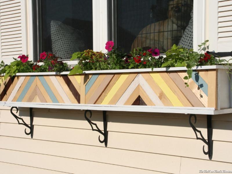 Ящики для цветов - отличное украшение для дома и сада.