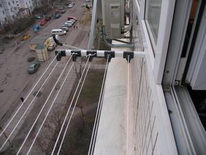 Перечень преимуществ сушки белья снаружи балкона