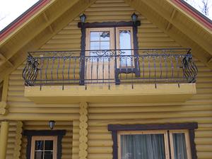 Как в деревянном доме сделать балкон