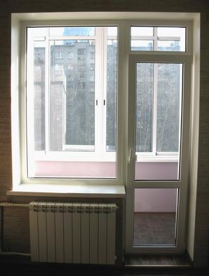 Пластиковая дверь с окном