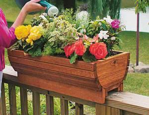 Самодельные горшки и ящики для цветов