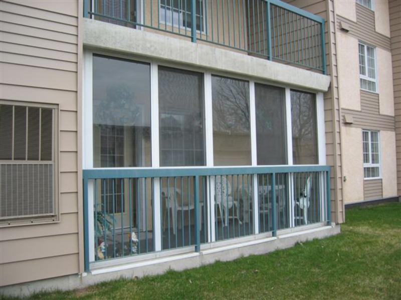 Застеклить лоджии пластиковыми окнами: из чего складывается .