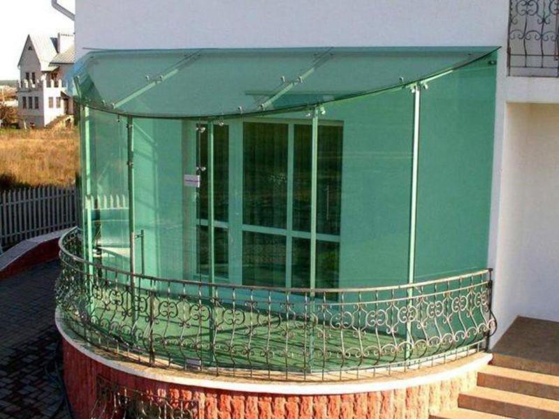 Виды, особенности устройства и дизайна балконов в частном....