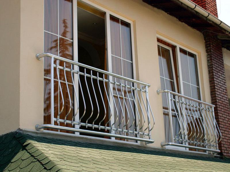 Французский балкон: история возникновения, особенности конст.